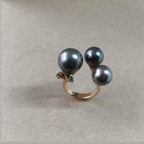 collection femme bague perles tahiti grenats tsavorite bague ouverte lilas