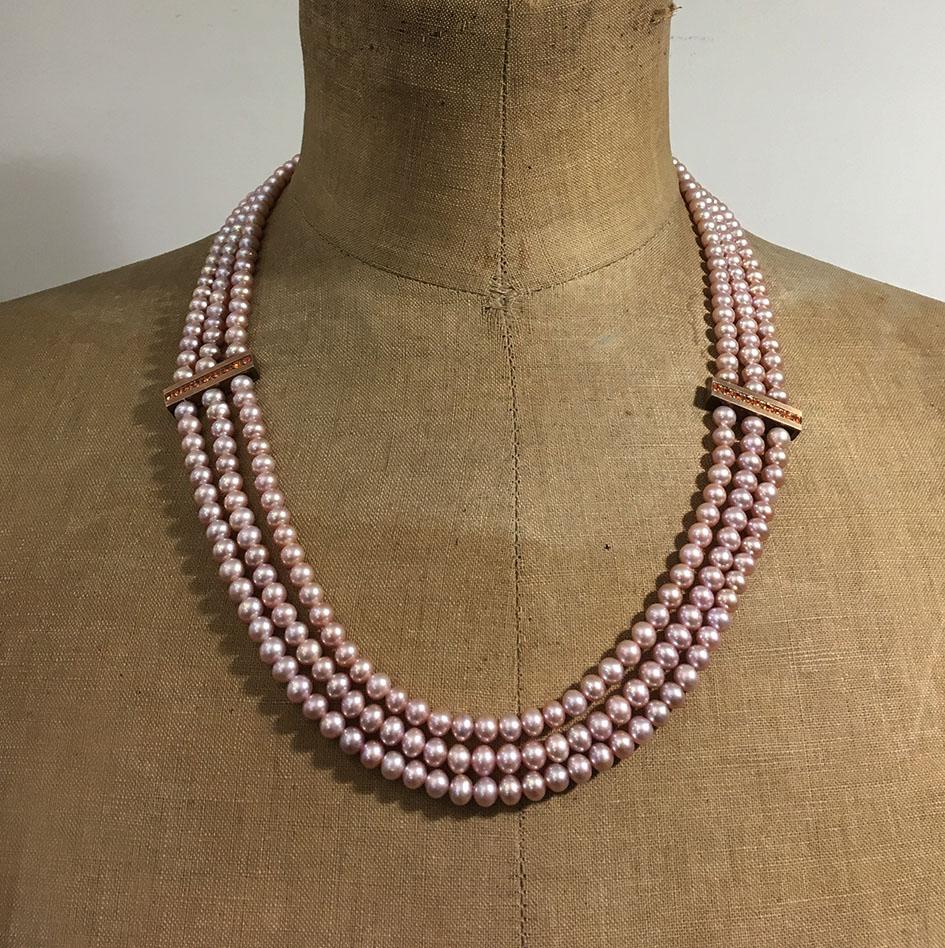collection femme collier 3 rangs perles d'eau douce rosées barrettes vermeil saphirs oranges fermoir vermeil piece unique création sur mesure