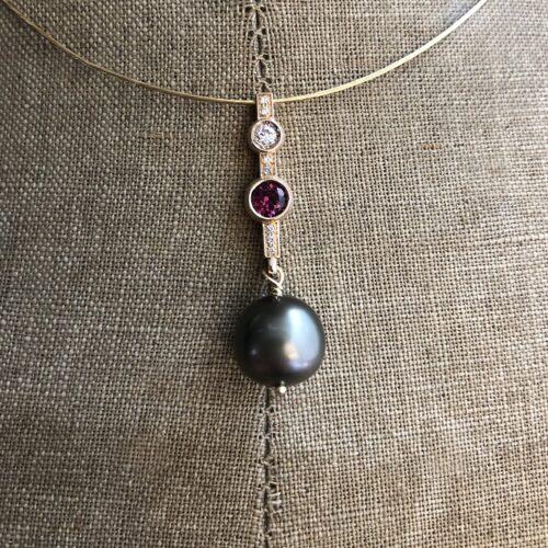 collection femme collier pendentif or rose 18ct diamants grenat rhodolite perle de tahiti sur mesure piece unique
