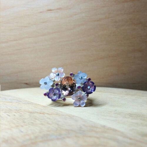 collection ephemere bague fleur des champs argent saphir nacre améthyste et calcedoine pierres fines