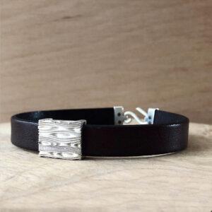 colleciton pour homme bracelet cuir noir motif vague en argent