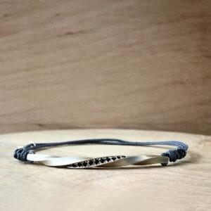collection pour homme bracelet torsade argent diamants noir sur cordon gris